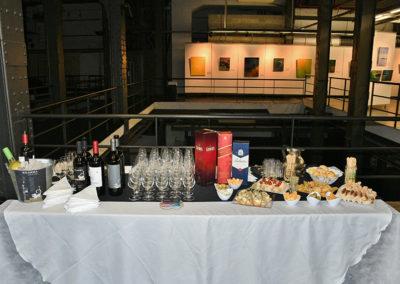 mesa de cata de vinos y whiskies