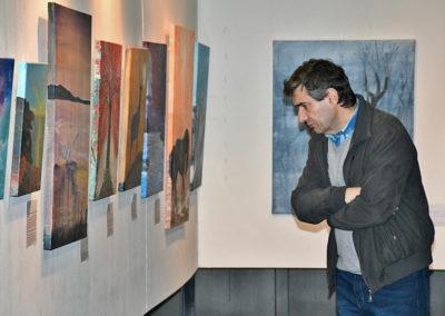 mirando las pinturas