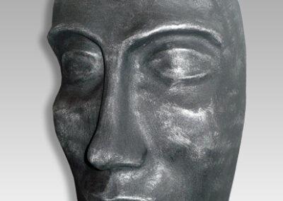 Máscara con pátina de hierro